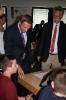 Parteichef Christian Lindner informiert sich am AFG über den Unterricht mit iPads_17