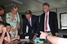 Parteichef Christian Lindner informiert sich am AFG über den Unterricht mit iPads_5