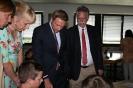 Parteichef Christian Lindner informiert sich am AFG über den Unterricht mit iPads_6